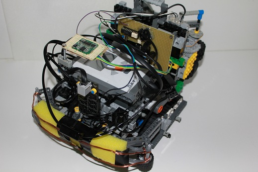 Luzのロボットです。以前のものとは全く違った構成になっていますね。