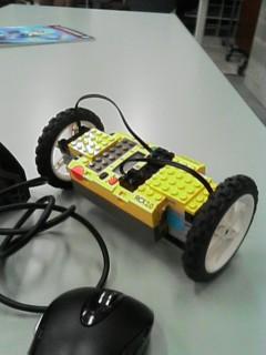 例外その3。このロボットは色々とまずかった。現役のライントレーサーですよ♪