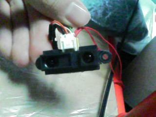 赤外線測距センサーです。今回はコレをNXTに付けられるようにしましたとさ。