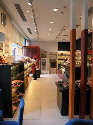 Q's Cafe2