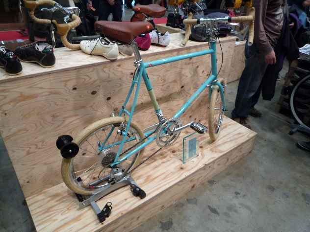 のニューバランスさんも自転車 ...