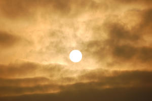 怪しい太陽と空