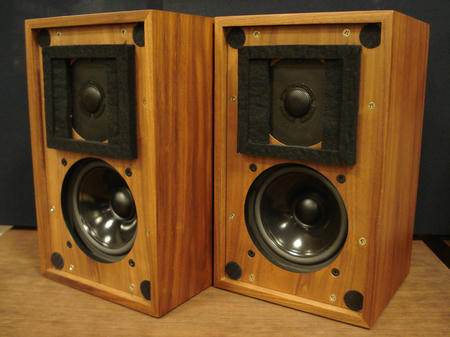 LS35AV2WALNUT_120326_2.jpg