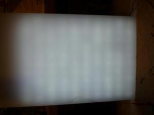LED点灯+光拡散キャップ+アクリル板