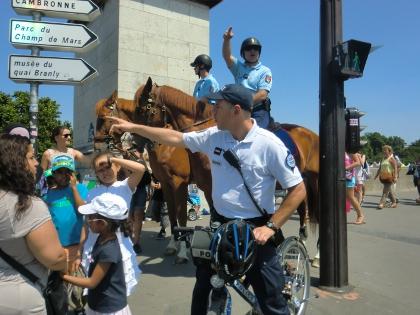 フランスの警察パトロール馬