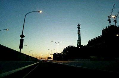 高速道路夕方シルエット