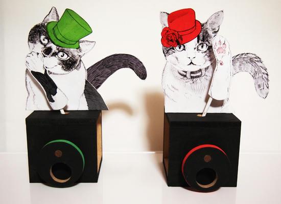 帽子を被った猫 2種