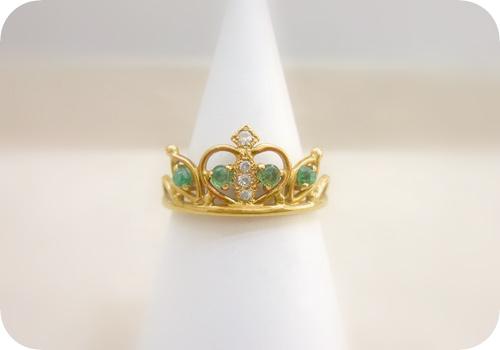 エメラルドで王冠デザインリング修理。完成♪