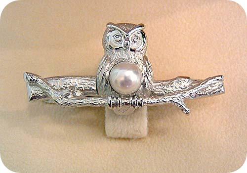 フクロウと真珠のネクタイバー