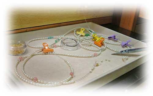 グラスコード(メガネかけ):糸替え修理中