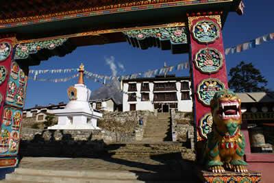 テンボチェのお寺