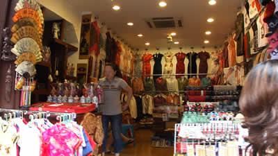 上海 豫園商城内の店