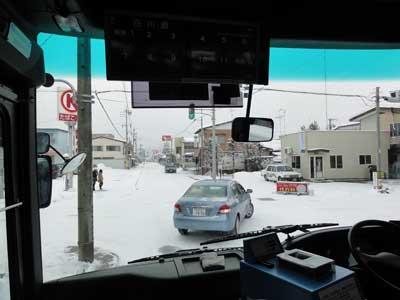 雪でまっ白な高山市内