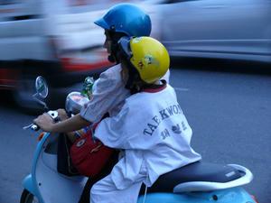バイク二人乗り(タイ)