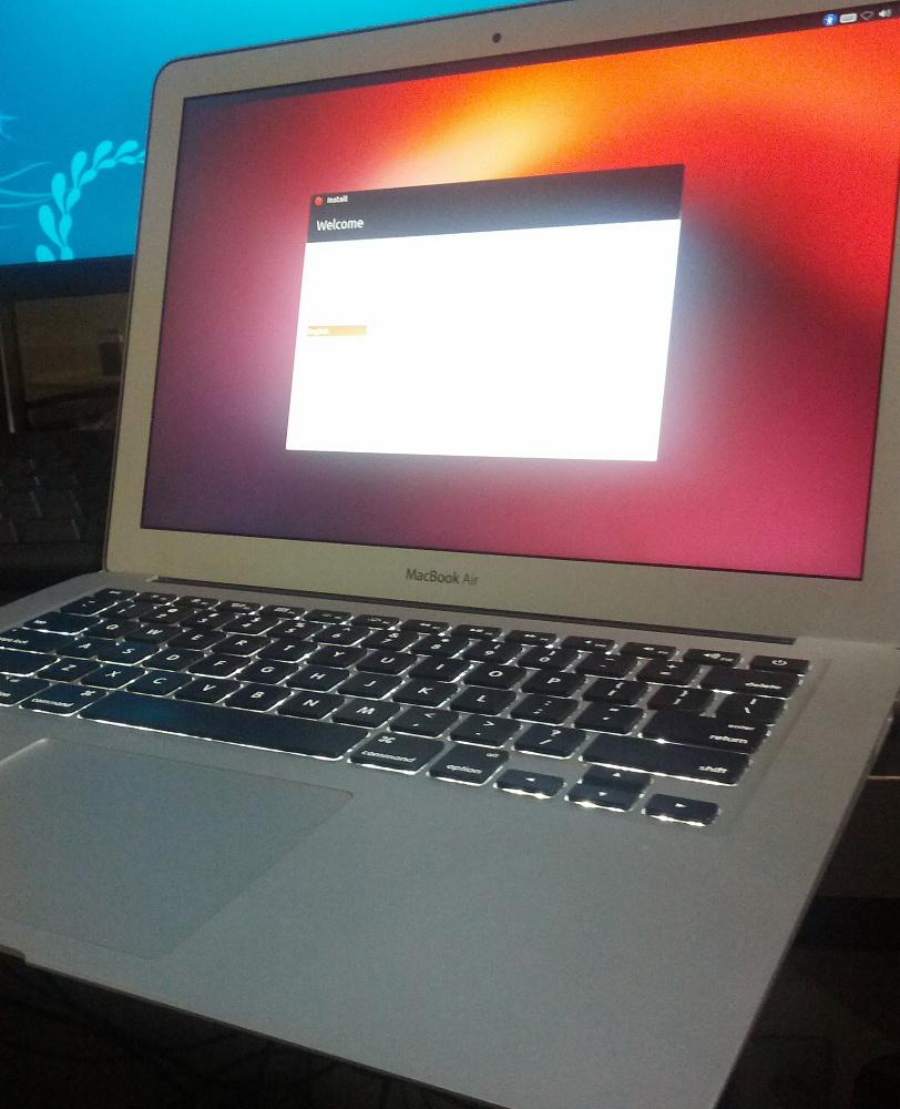 Macbook AirにUbuntu 12.10をインストールした