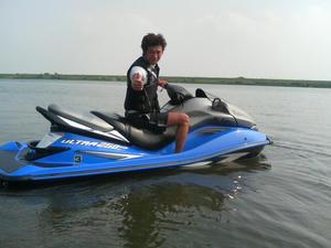 ジェット(水上バイク)で遊んできた
