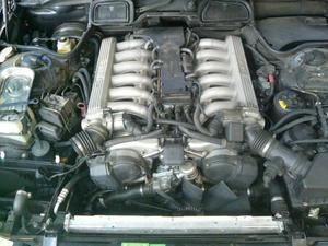 BMW(E38 750iL) 冷却水漏れ修理(三又ホース)