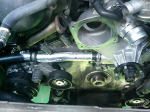 BMW(E38 750iL) 冷却水漏れ修理