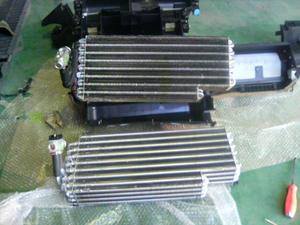 ベンツSクラス(W140)エアコン修理 エアコンユニット外れた。エバポレーター交換