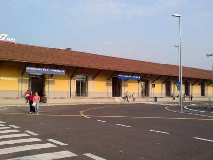 モンツァ駅外観2