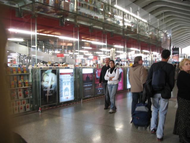 ローマ・テルミニ駅の本屋