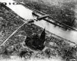 745px-Frankfurt_Am_Main-Altstadt-Zerstoerung-Luftbild_1944.jpg