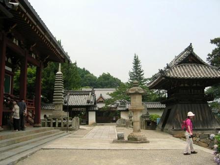 矢田寺の境内