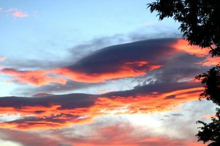 真っ赤な夕焼け雲M