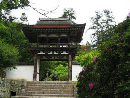 長岳寺の門