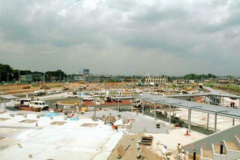 2005年8月の守谷駅西口