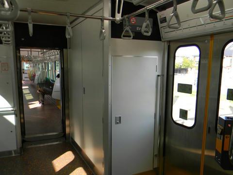「EV-E301系」車内
