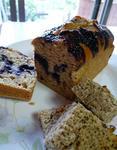 ブルーベリーのマーブルケーキとおからケーキ