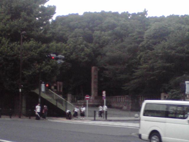 靖国神社前