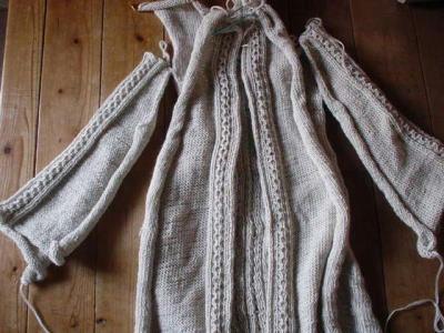 ジャケット編みかけ