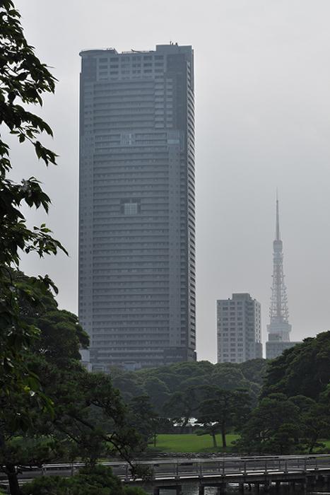 東京タワーも思い出してあげてください。