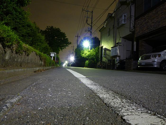静寂の夜道