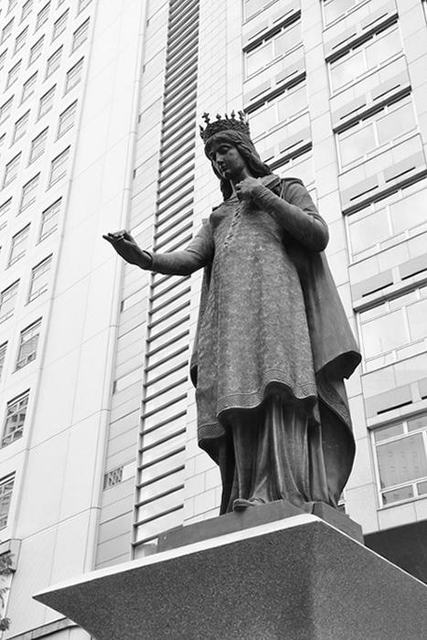 クニグンデ皇后像