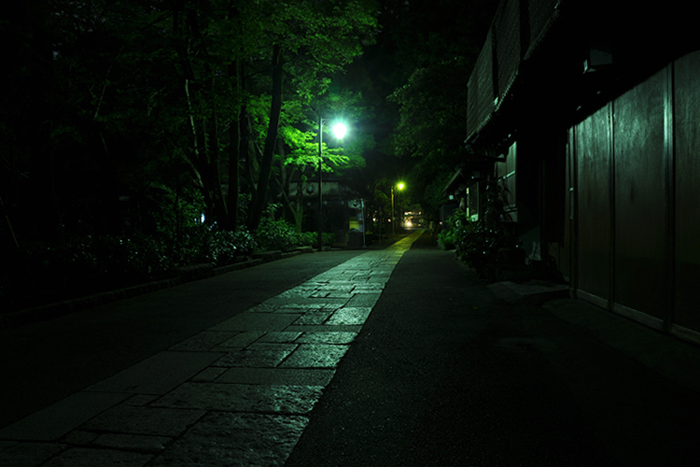 夜の参道2