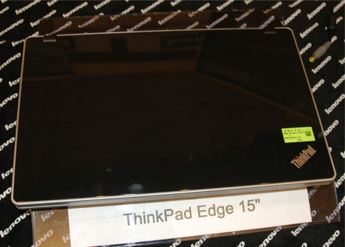 ThinkPad Edgeを上から見る