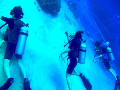GWゴールデンウィーク2019年那覇市で観光&体験ダイビング未経験者高齢者におすすめ貸切できるショップ