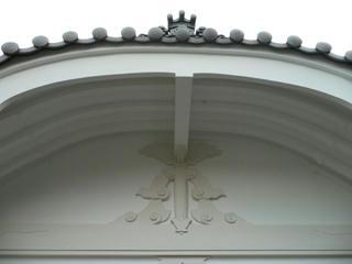 破風部分の装飾