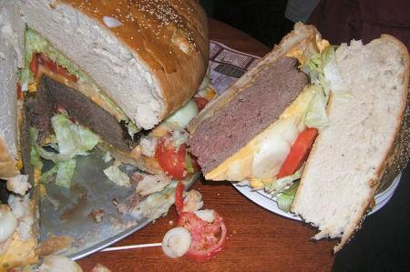 biggest_burger5.jpg