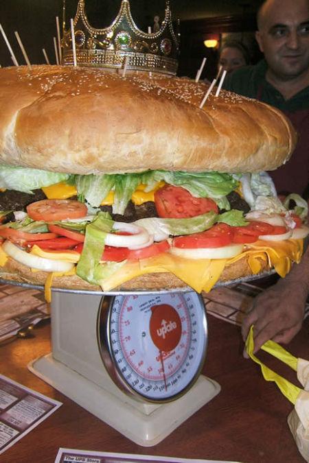 biggest_burger3.jpg