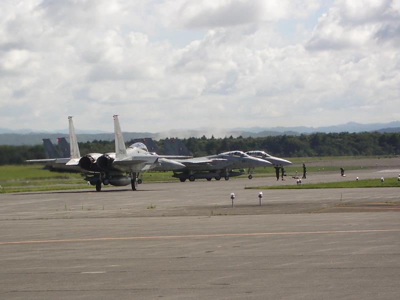 F-15J to 滑走路