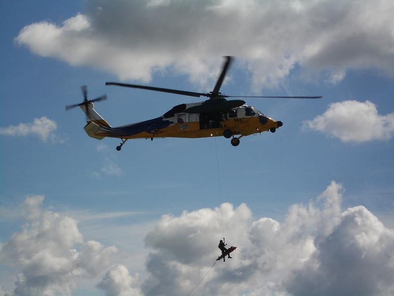 UH-60救出中