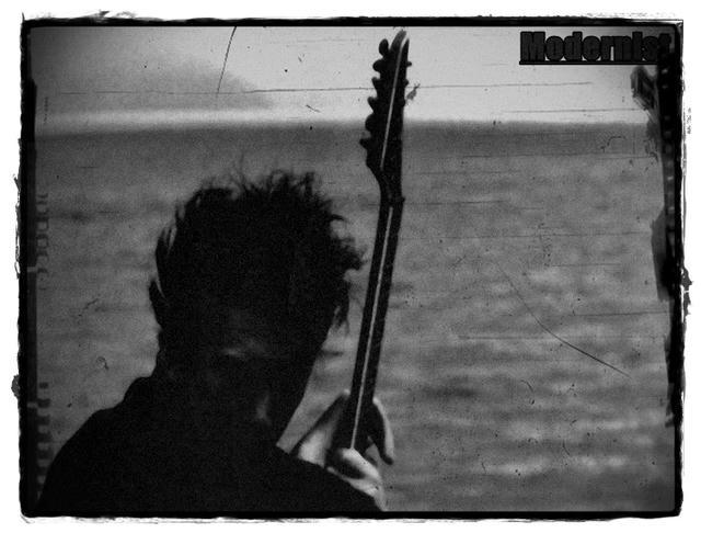 IMG Scrap 006 : Badass guitarist