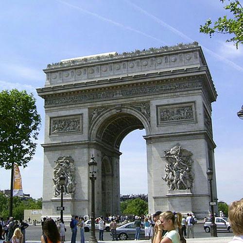 仏語:Arc de triomphe de l'Etoile