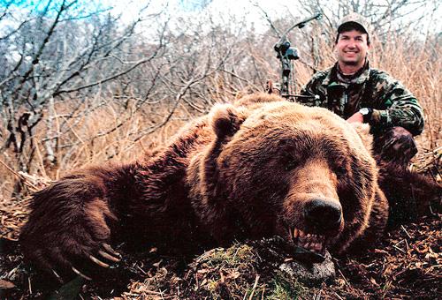 """【米国】""""クマと自撮り""""ブーム、米国森林局が危険性を警告・・・「アホすぎる」「人はなぜこうも愚かなのか」の声 [転載禁止]©2ch.net YouTube動画>19本 ->画像>132枚"""