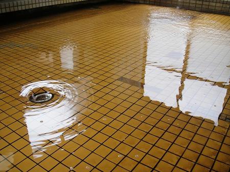 内湯の排水溝