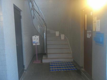 階段で露天へ